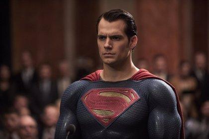 Superman lidera La Liga de la Justicia en las nuevas imágenes promocionales