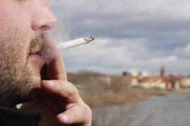 El 28% de los españoles fuma, por encima de la media europea