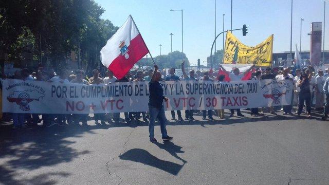 Taxistas cántabros en huelga