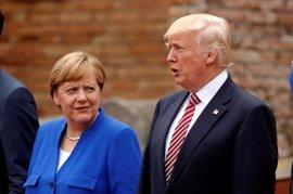 """La Casa Blanca asegura que Trump y Merkel """"se llevan muy bien"""""""