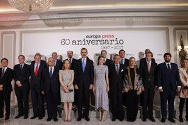 Felipe VI subraya el compromiso de Europa Press con la libertad de prensa y su sentido de Estado en su 60 aniversario