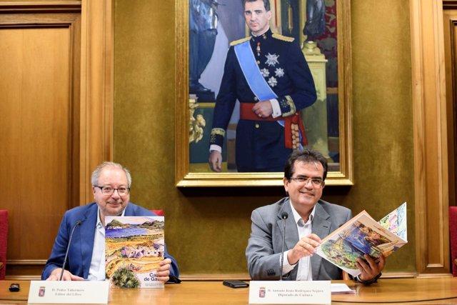 Pedro Taberno y Antonio Jesús Rodríguez, en la presentación de 'Cabo de Gata'.