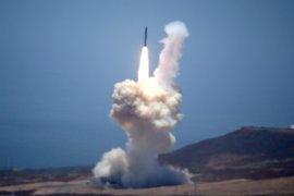 EEUU ensaya por primera vez la interceptación de un misil intercontinental