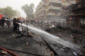 Mueren trece personas y 22 resultan heridas en un atentado suicida en la localidad de Hit (Irak)