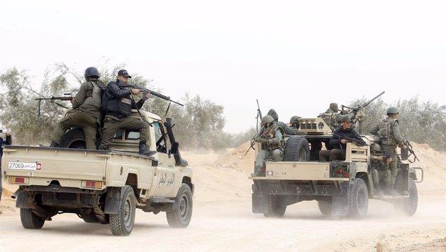Despliegue de militares tunecinos cerca de la frontera con Libia