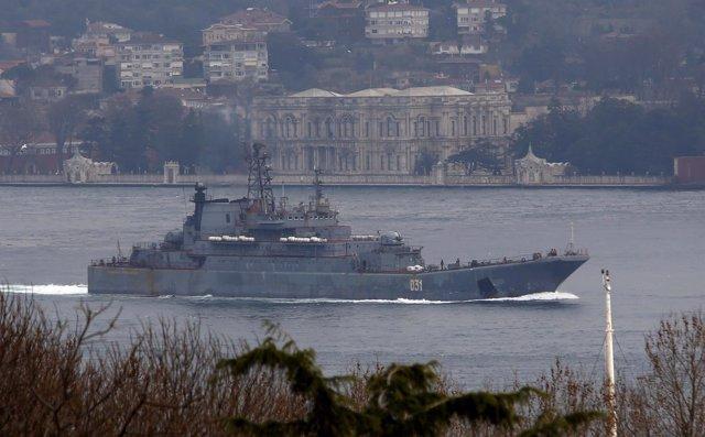 Barco de guerra de Rusia