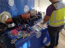 A prisión cuatro miembros de un grupo especializado en robos en domicilios de Málaga