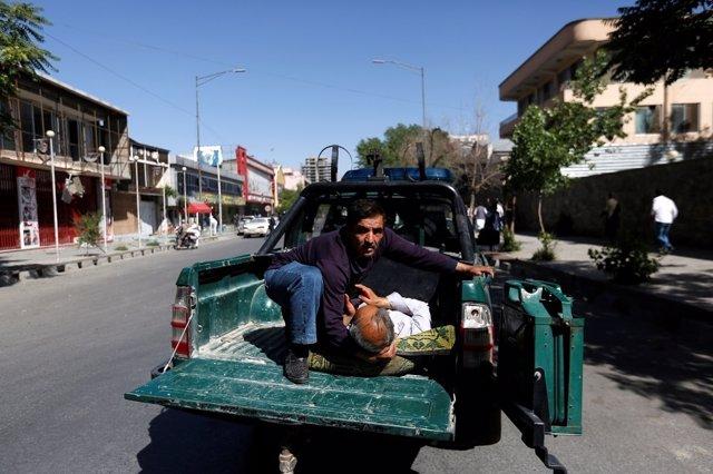 Atentado suicida con camión bomba en KAbul, Afganistán