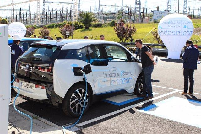 Inicio de la I Vuelta a España en vehículo eléctrico en As Pontes (Coruña)