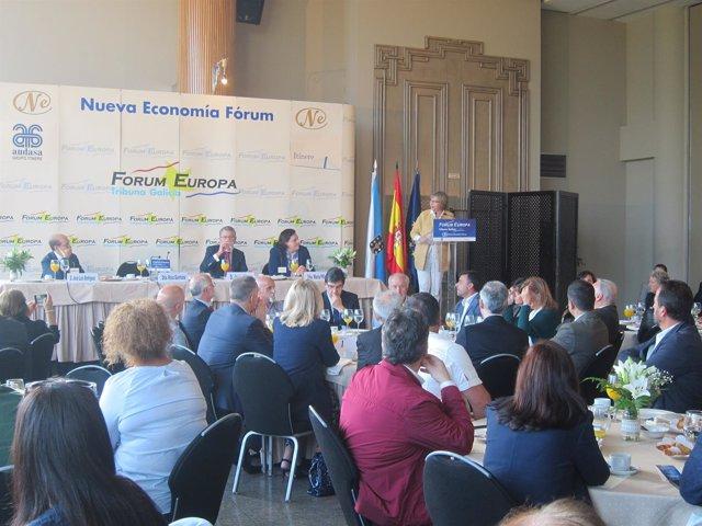 La conselleira Rosa Quintana en el Forum Europa en Vigo
