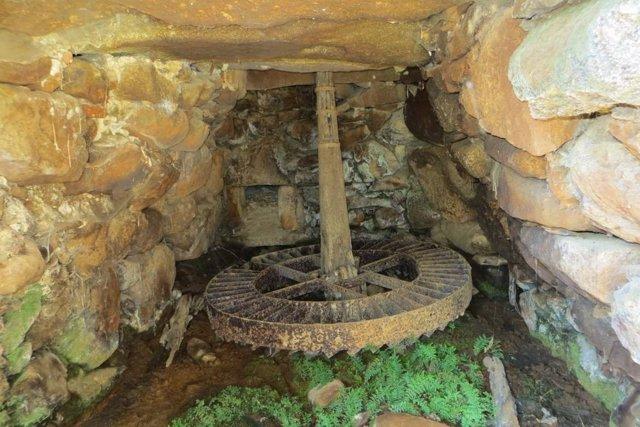 Uno de los molinos de la presa Casillas II