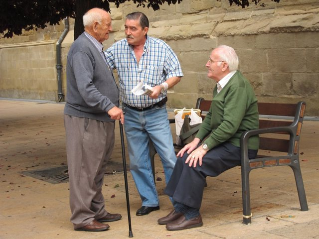 Personas mayores en Logroño