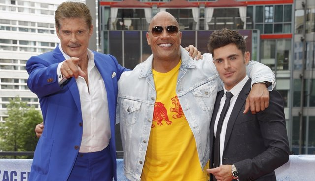 David Hasselhoff, Dwayne Johnson y Zac Efron presentan Baywatch