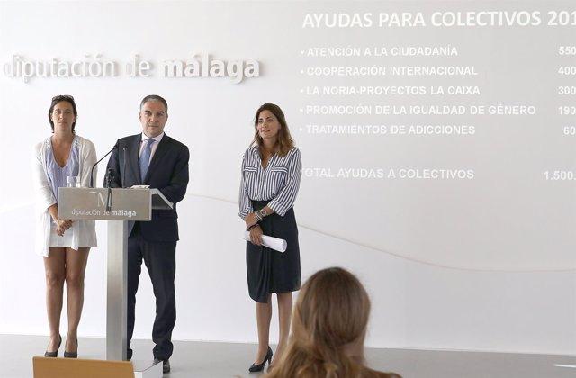 Lourdes Burgos, Elías Bendodo y Ana Mata ayudas sociales presupuesto diputación