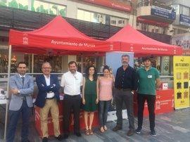Ayuntamiento Murcia se suma al lema 'Menos cajetillas y más zapatillas' en el Día Mundial sin Tabaco