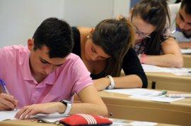 Cs reclama informar a los estudiantes de que pueden pedir el examen de selectividad en castellano