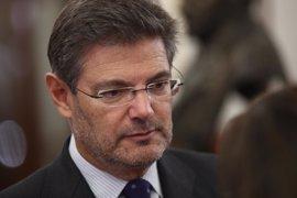 Catalá precisa que es al fiscal general al que corresponde proponer el cese de Moix, no al Gobierno