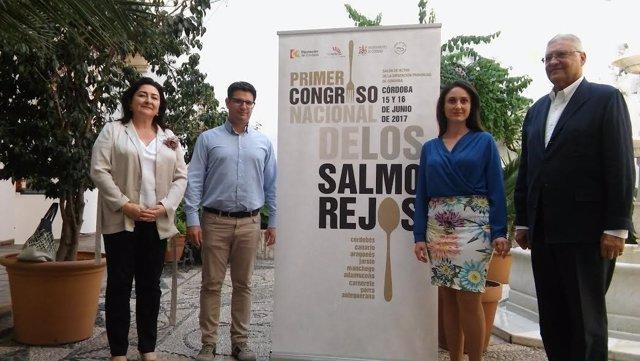Gómez y García (centro) durante la presentación del congreso