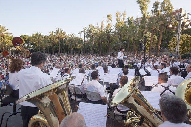 Concierto de la Banda Municipal en los Jardines del Palau