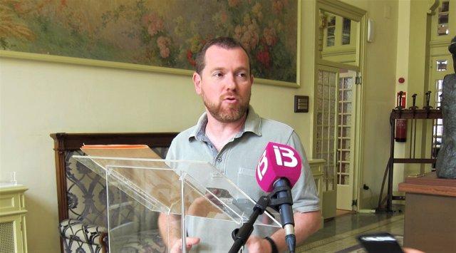El portavoz de MÉS, David Abril, en el Parlament