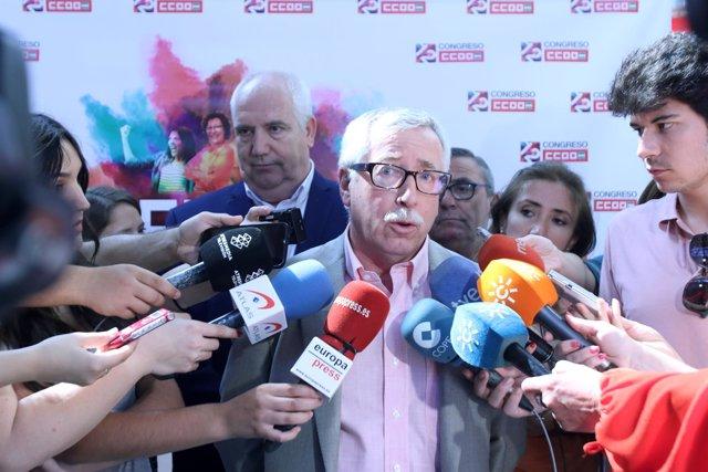 Ignacio Fernández Toxo atiende a los medios en el Congreso de CCOO-A
