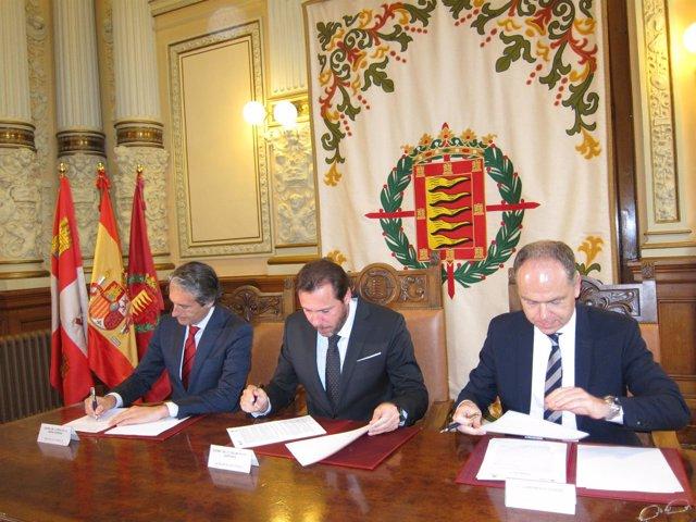 Firma de un convenio entre el Ayuntamiento de Valladolid y Adif