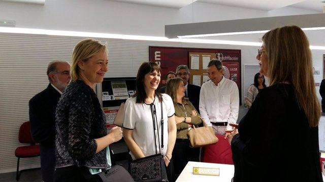 La consejera Marta Gastón ha visitado la nueva oficina del Inaem en Binéfar.
