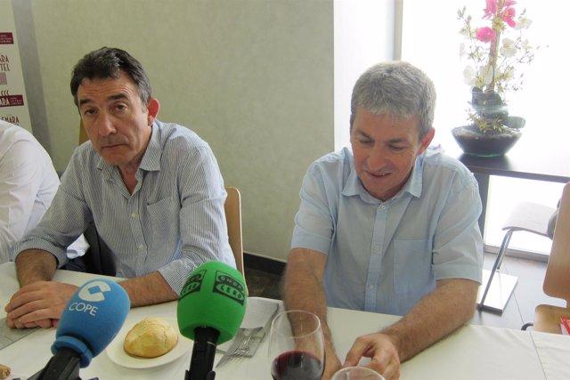 Hernández en su despedida ante los medios de comunicación