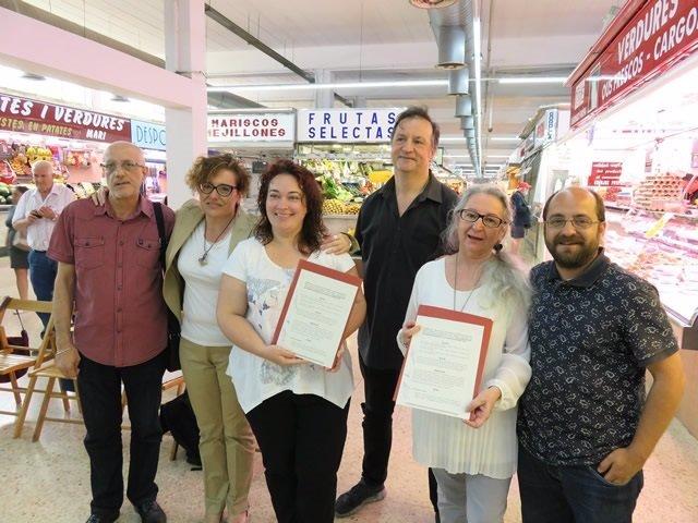 Montserrat Ballarín y representantes de entidades comerciales del Besòs