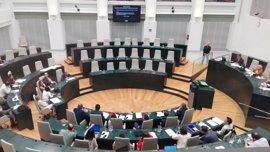 """El Pleno hará una regulación más estricta de las alusiones mientras Maestre critica la actitud """"un poco circense"""" de PP"""
