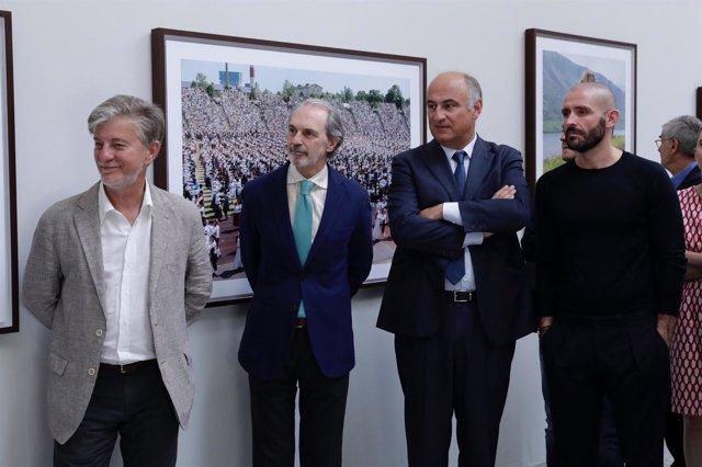 Pie De Foto Y Fotos: Photoespaña Celebra Su 20 Aniversario Con 100 Exposiciones