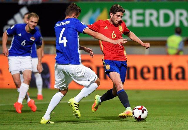 Sergi Roberto en un partido con la selección española