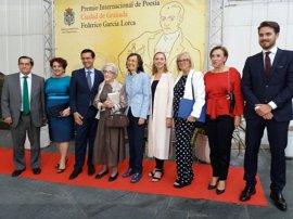 Granada arropa a Ida Vitale en la entrega del Premio Lorca de Poesía