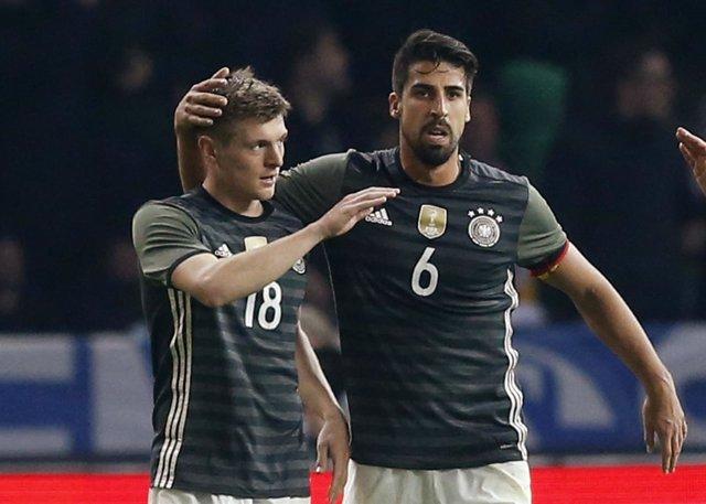 Toni Kroos y Sami Khedira con la selección alemana