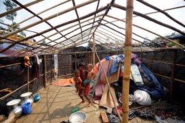 ACNUR celebra que no haya muertos en los campamentos de rohingyas en Bangladesh por el ciclón 'Mora'