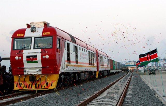 'Madaraka Express' En La Inauguración De Línea Entre Nairobi Y Mombasa (Kenia)
