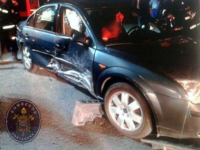Vehículo accidentado en la plaza de Méjico
