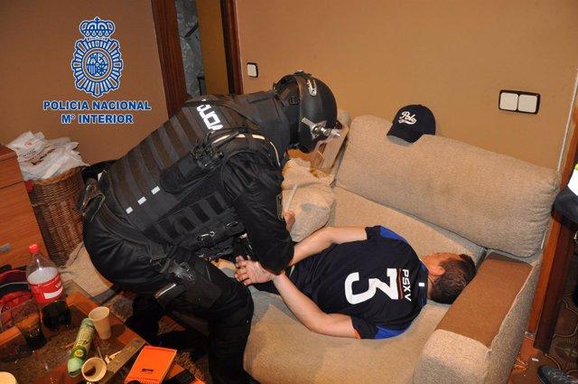 La Policía Nacional detiene a 11 traficantes en Montornès