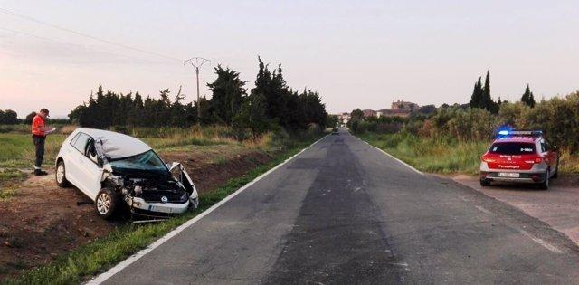 Colisión de un vehículo con un tractor en Cascante