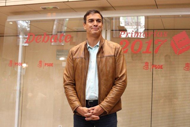 Pedro Sánchez a su llegada al debate del PSOE en Ferraz