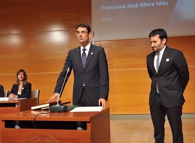 Francisco Mora toma posesión como rector de la UPV