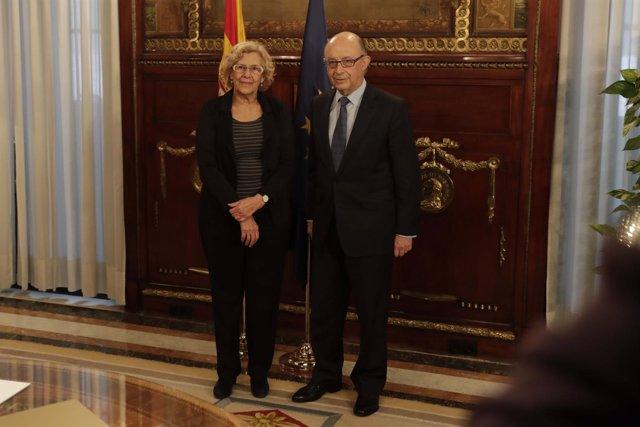 Carmena con el ministro de Hacienda Cristóbal Montoro