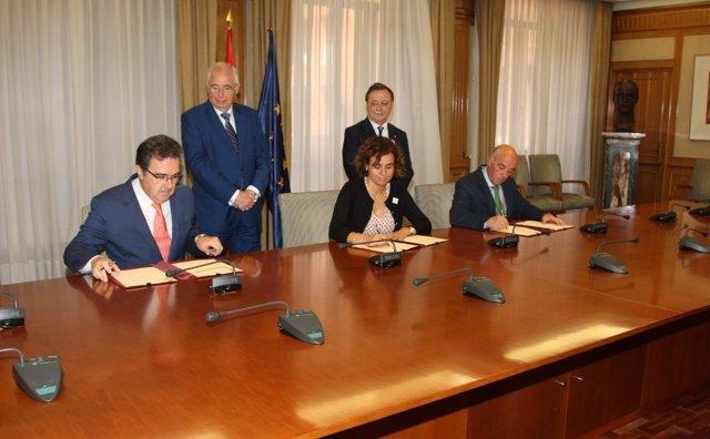 Acuerdo entre el INGESA y la Fundación Amancio Ortega