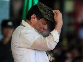 """Duterte dice que el asalto a Marawi es obra """"sencillamente de Estado Islámico"""""""