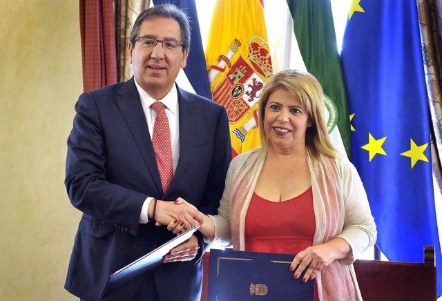 Firma del convenio entre el Ayuntamiento de Jerez y Cajasol
