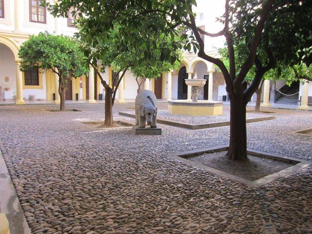 Patio principal del Palacio Episcopal de Córdoba
