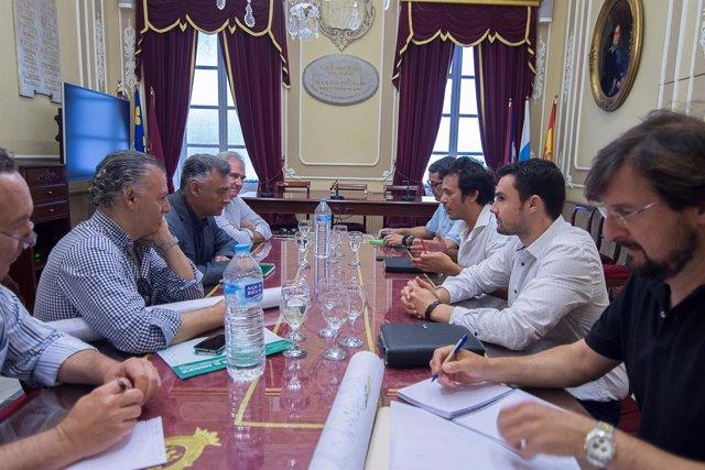 Reunión del delegado de Fomento y el Ayuntamiento de Cádiz