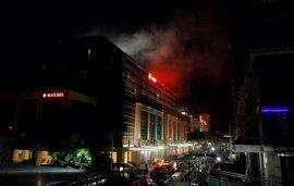 Un complejo de ocio de Manila, escenario de disparos y explosiones