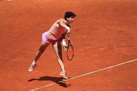 Carla Suárez supera un duro examen ante Cirstea