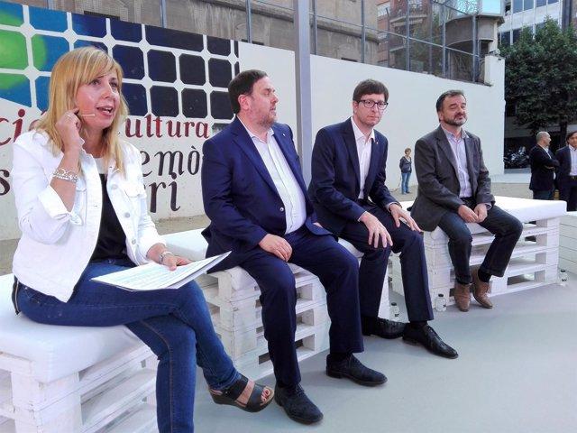 Oriol Junqueras, Carles Mundó, Alfred Bosch (ERC) y la periodista Xantal Llavina